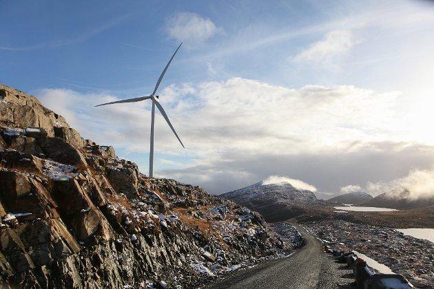 MEIR LOKAL MAKT: Når kommunane no skal få meir makt i vindkraftsaker, må makta brukast til å gjenvinne tilliten i norsk vindkraftpolitikk, meiner Sunnfjord Høgre. Her frå Guleslettene, med Klauvekeipen i sør.