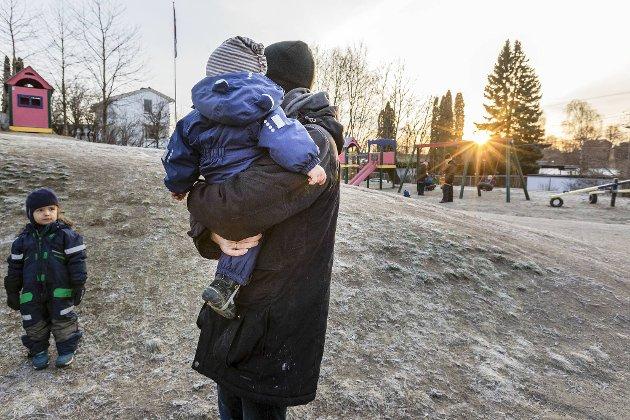 – Du som mamma og pappa har nå muligheten til å se barnet ditt fra en annen side. Din oppgave som forelder er å være den trygge omsorgspersonen barnet trenger.