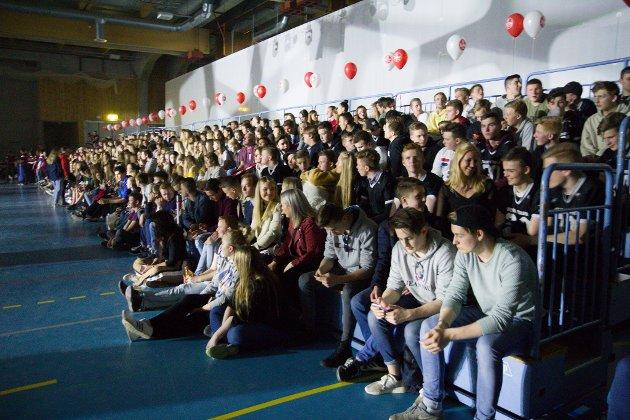 TAGS rockne bowl hafstad vidaregåande Øyrane fotball spel kamp sport Førdehuset Førde