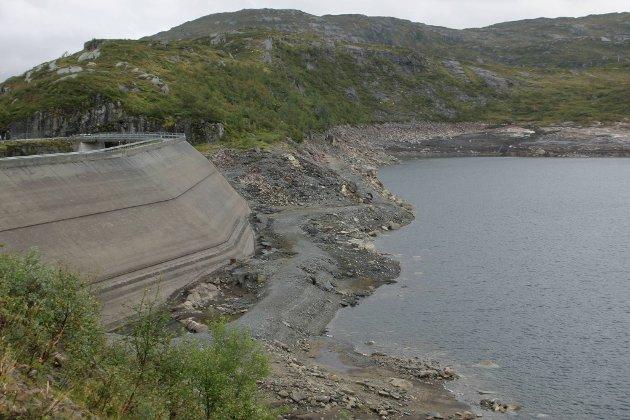 Vassmagasinet Krokevatnet sør for Bjordal i Høyanger kommune.  Arkivbilde.