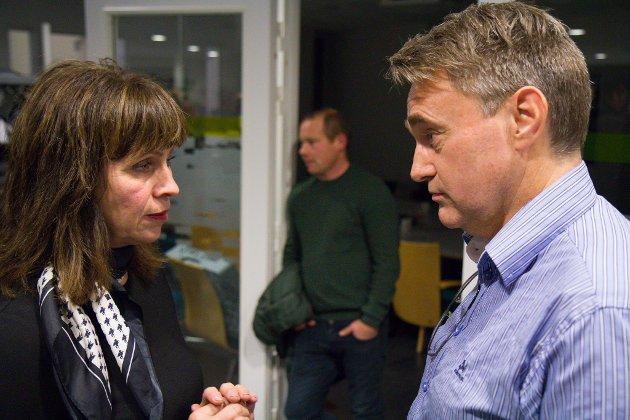 MOTPOLAR: Jenny Følling og Senterpartiet strekte seg langt for å sikre at kommunestyret ikkje gjekk mot driftskonsesjon til Nordic Rutile. Marius Dalin (MDG) hadde langt meir tru på planane til konkurrenten Arctic Mineral Rescources.