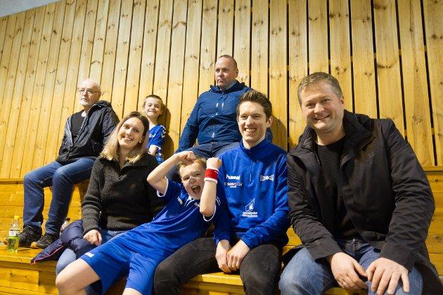 F.h. Lars Endre Gimmestad, Egil Brekke, Ruben Søreide Brekke, Stein Kolbotn, Helene Hauge Søreide, Max Julian Kolbotn og Ingebrigt Kolbotn.