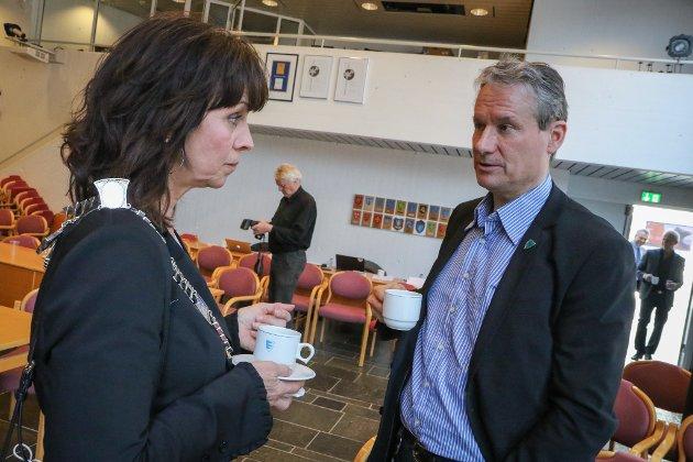 KANDIDATAR: Jenny Følling (Sp) og Olve Grotle (H) har begge som mål å bli den første ordføraren i den nye Sunnfjord kommune.