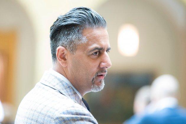 SJØLVHEVDING: Eg stiller spørsmål ved om Raja forstår rolla si som folkevald og som minister når han svarar med sjølvhevding og ein usakleg karakteristikk av Kihl i det vi må forstå som eit offentleg ordskifte, skriv artikkelforfattaren.
