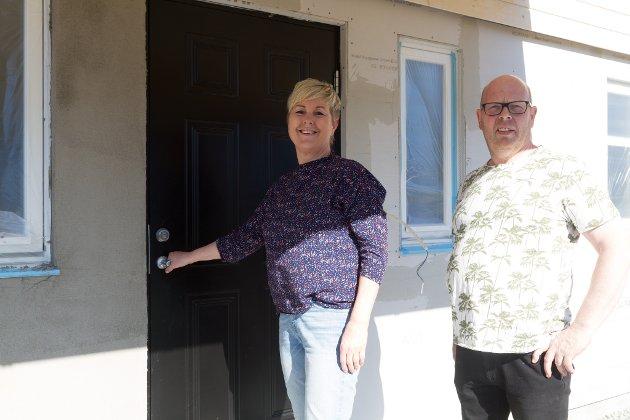 BLI MED INN: Inger-Lise Akse Helgås og Rune Helgås inviterer til sitt totalrenoverte hus i Gamle vievegen.