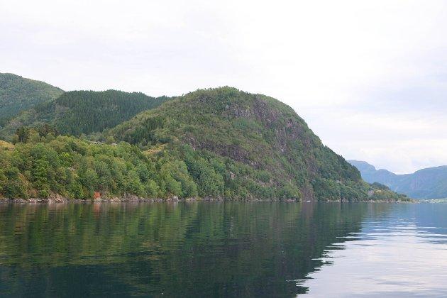 Engebøfjellet ved Førdefjorden der Nordic Mining har planar om gruvedrift.