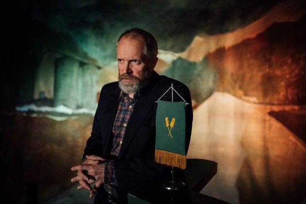 Kyrre Eikås Ottersen i teaterstykket Bondetinget.
