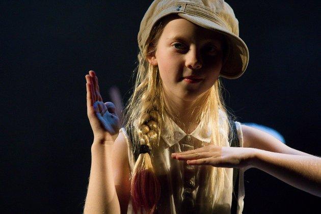 300 barn og unge showet under avslutningsforestillingen på Kulturksolen tirsdag.  Foto: John Johansen