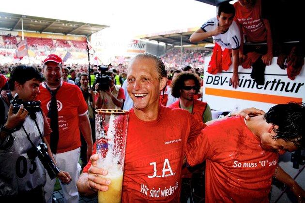 Jørn Andersen, trener for Mainz 05 har nettopp vunnet 4-0 over Oberhausen, og har dermed rykket opp i 1.Bundesliga!
