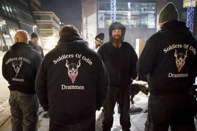 Bildet er fra Drammen hvor «Soldiers of Odin» patruljerer gatene. De har meldt at de vil gjøre det samme i Fredrikstad, men dukket ikke opp sist helg.