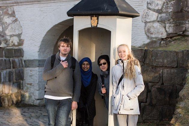 Flere hundre ungdommer under aktivitetene i Gamlebyen i forbindelse med fakkelstafetten for ungdoms-OL på Lillehammer 2016.