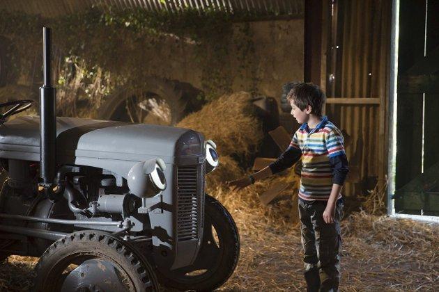 FARGERIKT PÅ UTSIDEN: Men litt for grått og trått på innsiden. «Gøy på landet!» er ikke «Gråtass»-filmen man kunne håpet på. FOTO: Sharing