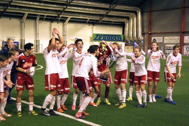 Ung suksess: FFKs juniorer jublet etter seier over Sarpsborg 08 i Danske bank Cup  desember i fjor.