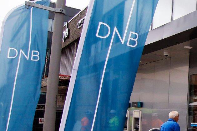 «Motvind for DNB»: Nedetid nettbanken har gitt DNB negativ oppmerksomhet de siste dagene. John L. Jones forteller om dårlig erfaring med kundebehandlingen ved  DNB i Sandvika. Bilde fra avdelingen i Fredrikstad.