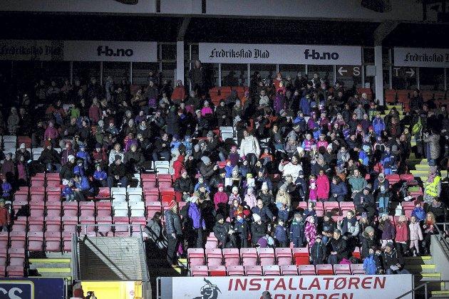 Dyrt: Regnskapet viser at Fredrikstad kommune brukte 212 kroner på hver eneste tilskuer til byjubileumsåpningen «Fredrikstad på isen» på Fredrikstad Stadion i januar i år.