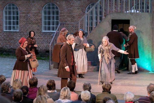 Godt teater:  Erik Wenberg Jacobsen fikk utmerket kritikk for sin fremstilling av Hans Nielsen Hauge i musikalen. Cecilie Agnalt er i dette innlegget begeistret for stykket.