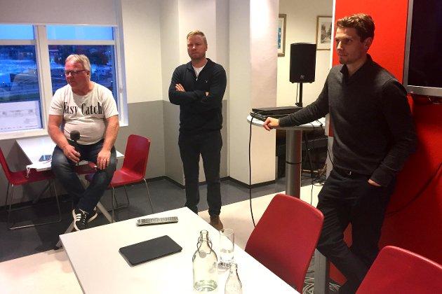 De måtte svare: Dag Solheim (møteleder) stilte sammen styreleder Jostein Lunde og daglig leder Joacim Heier som svarte på de mange spørsmålene fra medlemmene.