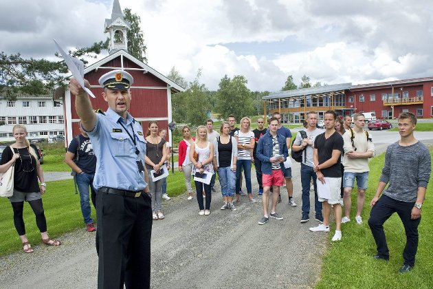 –Politihøgskolen vil få gode øvingsområder ved Rygge flystasjon, argumenterer Cecilie Agnalt. Bildet er fra et inntak av nye studenter ved Politihøgskolen Sæter gård i Kongsvinger.