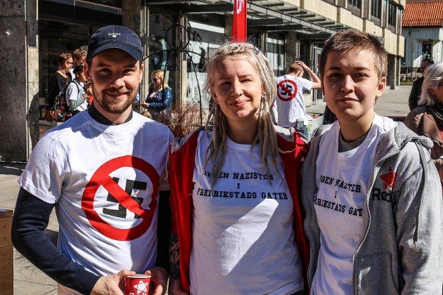 Markeringer i sentrum. Rødt arrangerer markering mot rasisme, og Fredrikstad kommune flagger for Regnbueflaggets dag. Dan André Syversen, Mia Kristin Hoel og Sol Skipnes i Rødt sto på stand.