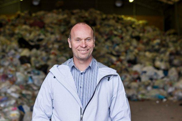 Renovasjonssjef André Svendsen viser deg hvordan du kan starte med plastgjenvinning!
