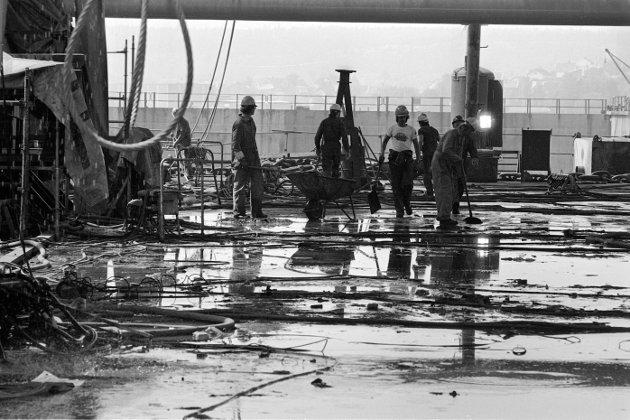1984: Mot slutten leverte Nye Fredriksstad Mek. Verksted også produkter til offshore-markedet. Her fra 1984, og arbeidet med dekksrammen og generatormodulen som skulle til Heimdalsfeltet i Nordsjøen. FMV høstet betydelig skryt for jobben.