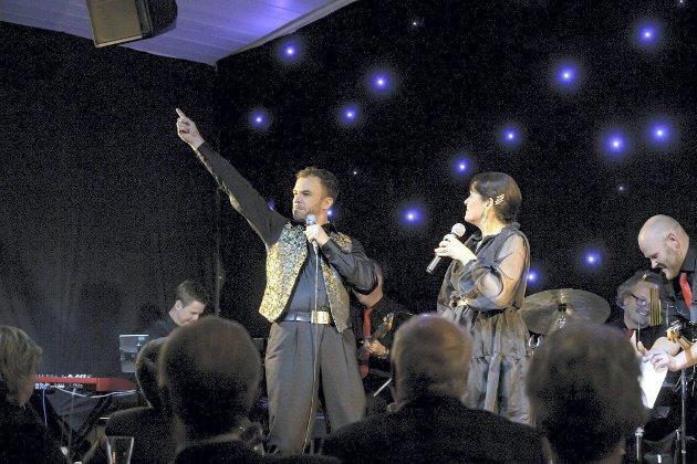Flott show: Renate og Morten Gjerløw Larsen var ikke kommet for å forkynne, men underholde med en god sleiv av alvor.