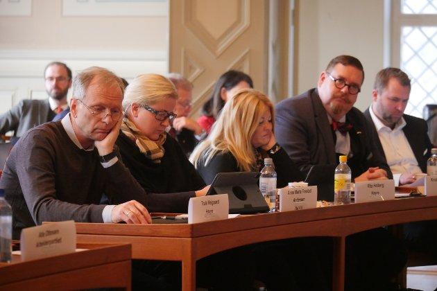 Tydelig frustrert: Høyres politikere ønsket å få utsatt debatten om arealplanen, men nådde ikke frem i bystyret fredag. (Foto: Øivind Lågbu)