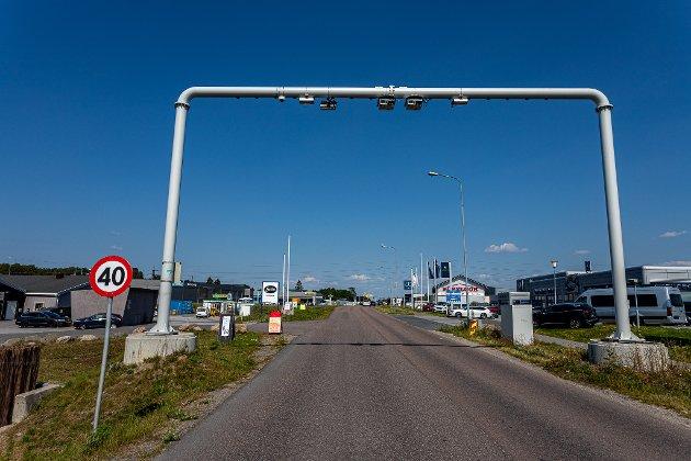 En leser mener bomstasjonene gjør boforholdene dårligere i området ved Evje og Hauge.