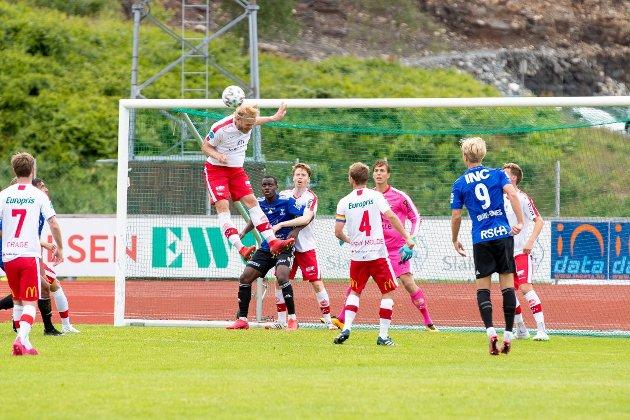Mads Nielsen og FFK måtte slite for poengene mot Florø, men sikret til slutt full pott i serieåpningen.