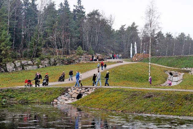 Turgåere ved Bjørndalsdammene. Arkivfoto: Kent Inge Olsen