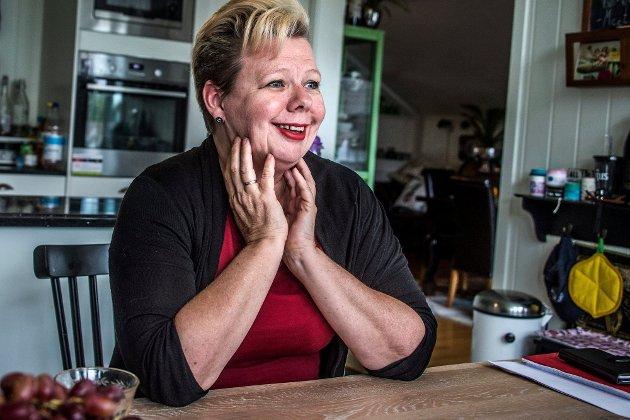 Fylkesråd Siv H. Jacobsen mener hun er «en terrier for Østfold». Det ferske skolevedtaket vitner lite om en terriers egenskaper.