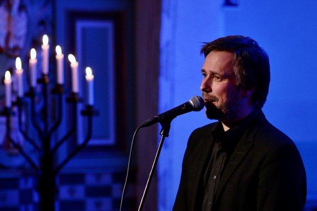 Nesten sakralt: Det var bare andre gang Vidar Vang spilte i Bjerkvik kirke. Det ble en nær og vakker opplevelse for et takknemlig publikum.