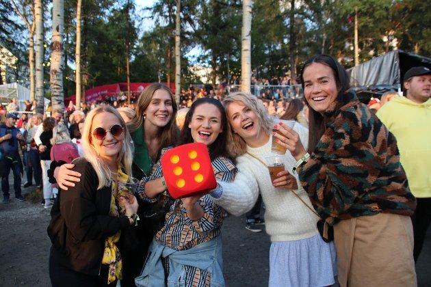 Birthe Brun Botolfsen, Line Hanssen, Tonje Elisabeth Halvorsen , Maja Aalstad Andersen og Sarah Larsen .