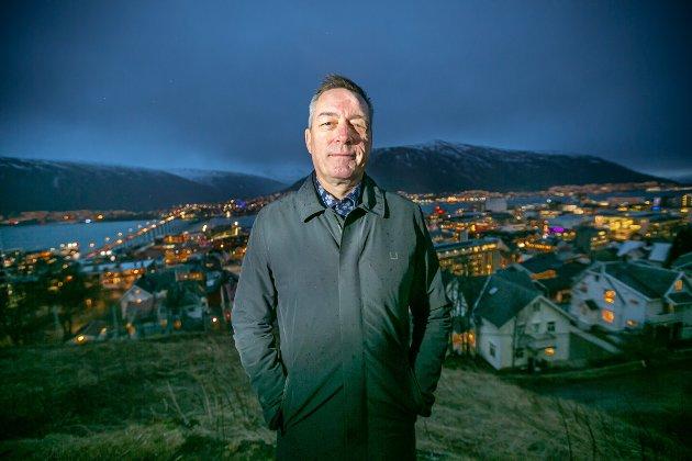 Forsvarsminister Frank Bakke-Jensen har utvist meget svak dømmekraft, skriver Nordlys på lederplass.