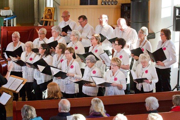 Austmarka: 22.11.2015 Jazzgudstjeneste i Austmarka kirke med Magnolia Jazzband, Austmarka Bygdekor. Foto: Ole-Johnny Myhrvold