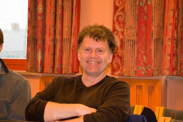 UNDRER: Øystein Hanevik undrer seg over Glåmdalens vinkling og Frp s nei til bosetting av flyktninger.