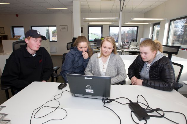 Glåmdalens kunnskapskonkurranse 2016: Austmarka barne- og ungdomsskole, fra venstre: Adrian Jahnsrud, Linn-Amalie Evjebråten, Martine Breisjøberg og Nora Hedberg.
