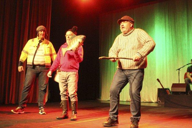 PROFETER: Ole Andreas Nerli, Johannes Ousdahl og Rune Grenberg tar et oppgjør med de påståtte værprofetene i en morsom sang.