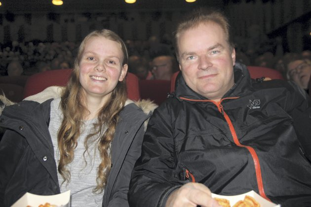 FØRSTE RAD: Silje Pettersen og Roy Trøhaugen hadde sikret seg plass på første rad.