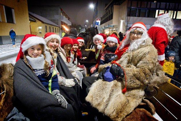 Julegateåpning i Kongsvinger, 29. november 2018. Nissefølget kom fra Holtberget med hesten Bron.