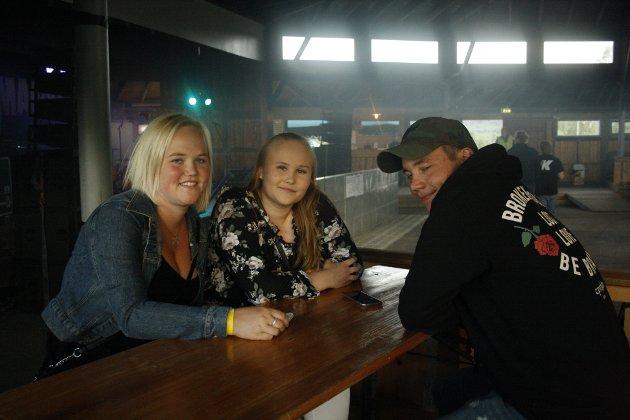 Charlotte, Anette og Andreas var på Slobrua for å se Staysman spille