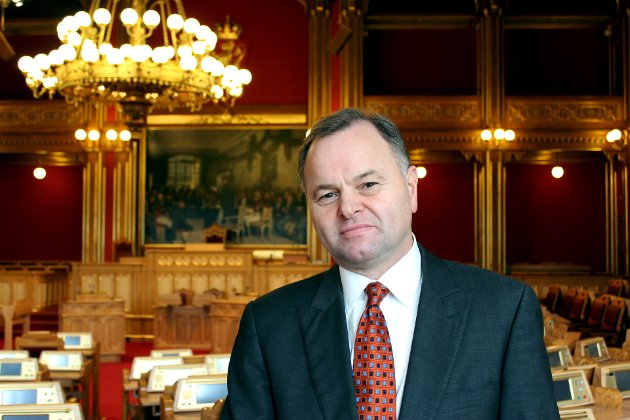 FLOSKLER: Albert Lunde utfordrer Høyre og Olemic Thommessen til å komme med mer enn floskler i debatten om politiorganiseringen.