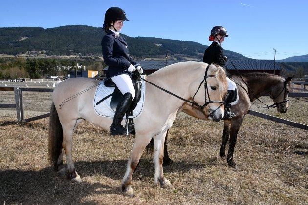 Gina Braastad fra Fåvang deltok på ridestevne på Frya