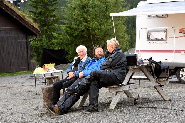 Kåre Conradi, Toralv Maurstad og Dennis Storhøi med Peer-forestilling på Gålå under Peer Gynt stevnet.