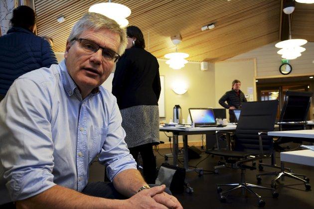 Rådmann Svein Holen mener kommunene igjen må diskutere sammenslåing.