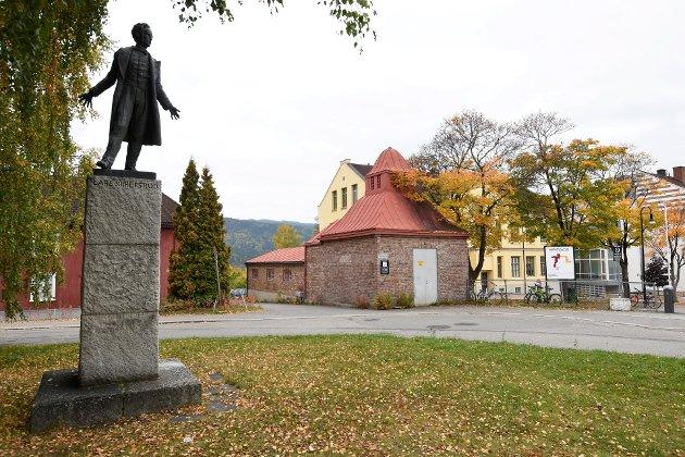 JUBILEUM: Lars Skrefsrud - like stor som Nansen og Bjørnson. Foto: Knut Storvik