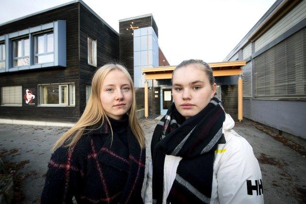 BYRÅKRATI: Josefine Hansen Møller (t.v.) og Magni Hjelstuen rammes av byråkratisk surr.