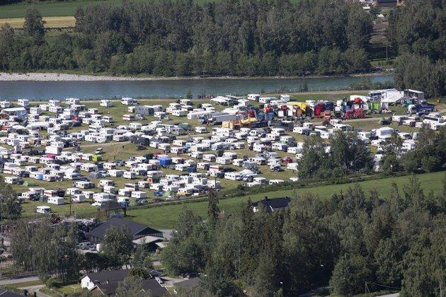 SORG: Et stort festivalmiljø er rammet av sorg, etter at en ung østerdøl mistet livet i brann fredag morgen.