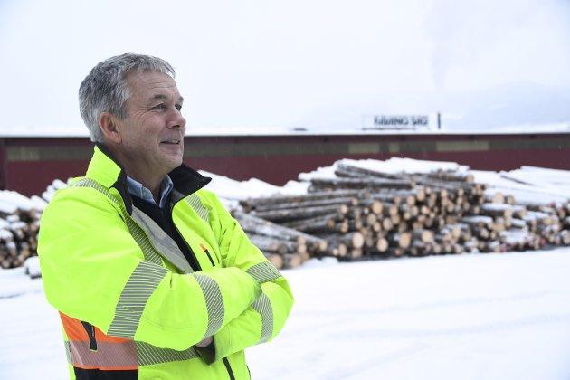 Rekord: Når Rune Voldsrud sender vogntogene  Fåvang med trelast, ligger det igjen penger i hele regionen.Foto: Kristin Veskje