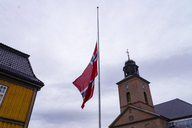 TRAGISK: Kongsberg og Norge er preget etter angrepet onsdag.Foto: Terje Bendiksby/NTB